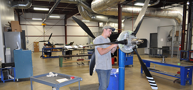 Yingling-Aviation-october-2015-EXPANDS-PROPELLER-SHOP-OPERATIONS-image1